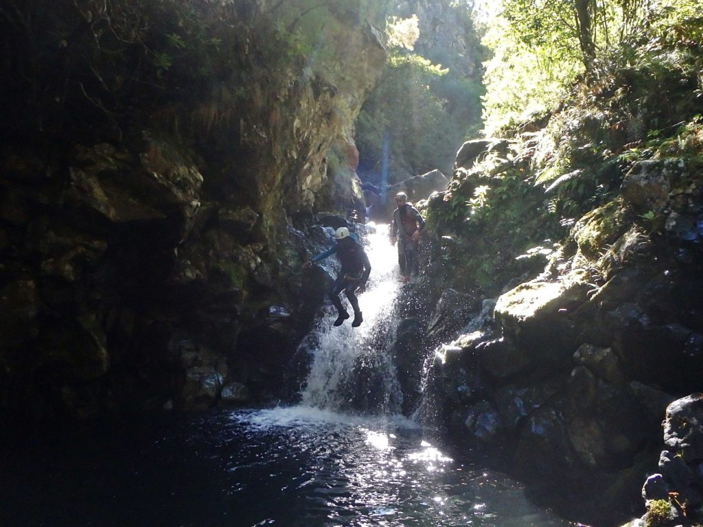 Jumping and Canyoning without knowing how to swim